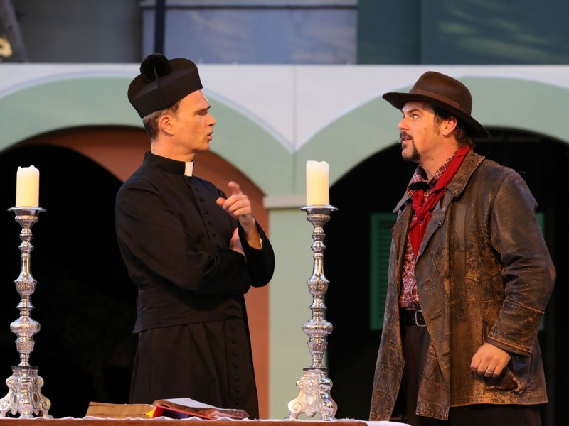 Thomas Borchert (Don Camillo), Patrick Stanke (Peppone)  in 'Don Camillo & Peppone' (Tecklenburg)  © Stephan Drewianka