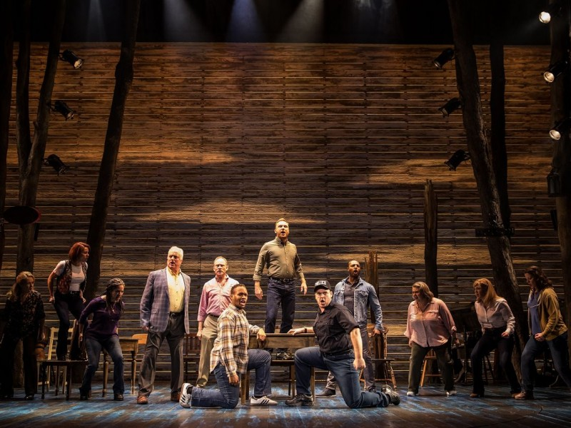'Come From Away' (London)  © Matthew Murphy
