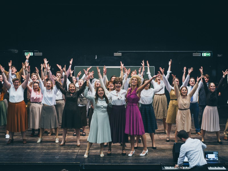 Ensemble  in '9 to 5' (Mainz)  © Alina Berger