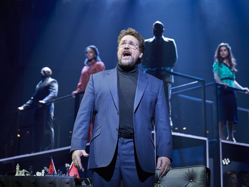 Michael Ball (Anatoly)  in 'Chess' (London)  © Brinkhoff / Mögenburg