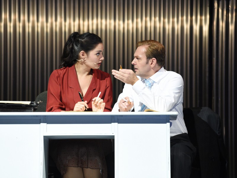 Debra Stanley (Betty Schaefer), Hardy Brachmann (Joe Gillis)  in 'Sunset Boulevard' (Cottbus)  © Marlies Kross