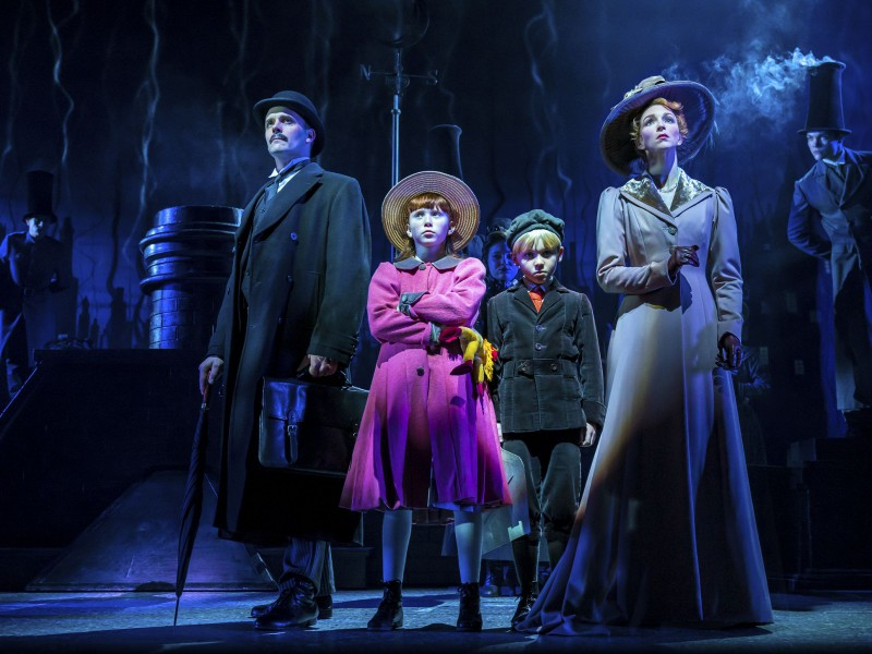 Joseph Millson (Mr Banks), Amy Griffiths (Mrs Banks), Company  in 'Mary Poppins' (London)  © Johan Persson