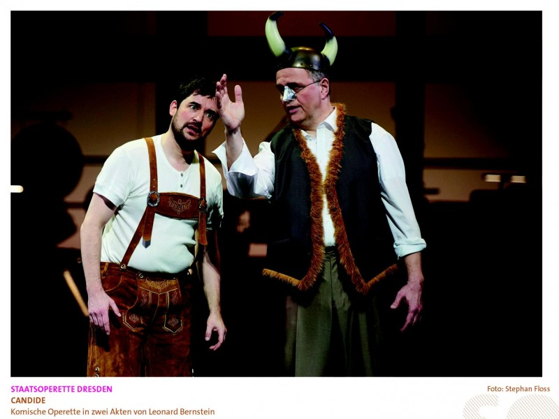 Markus Francke (Candide), Elmar Andree (Dr. Pangloss)  in 'Candide' (Dresden)  © Stephan Floss