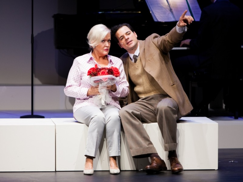 Angelika Milster (Die junge Doris Day), Tobias Licht (Al Levy)  in 'Doris Day - Day by Day' (Berlin)  © DERDEHMEL/Urbschat