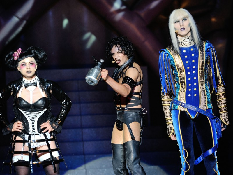 Lucy Scherer, Dominik Hees, Marlon Wehmeier  in 'The Rocky Horror Show' (Magdeburg)  (c) Nilz Böhme / Theater Magdeburg