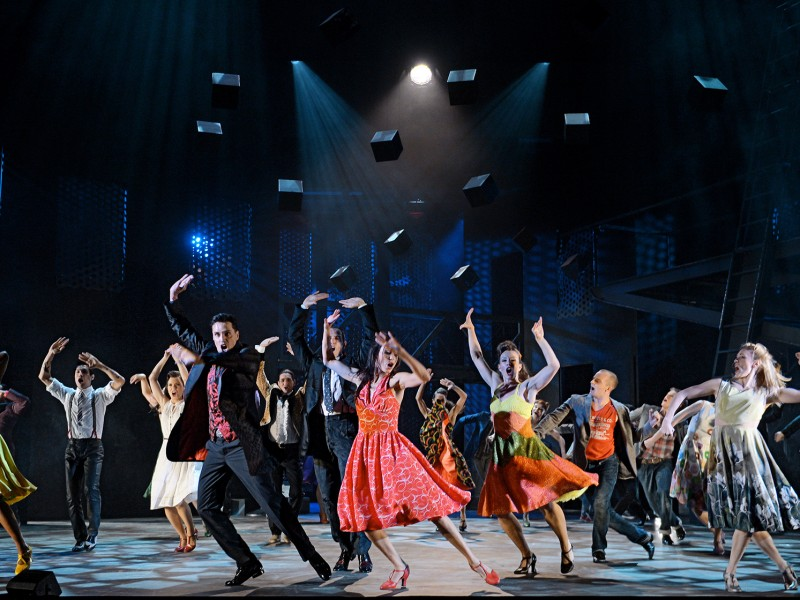 Ensemble  in 'West Side Story' (St. Gallen)  © Andreas J. Etter