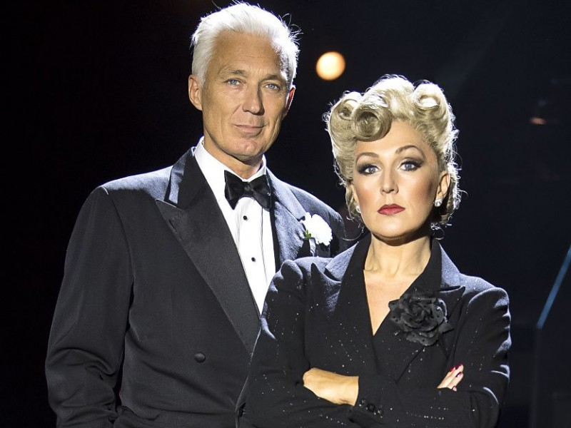 Martin Kemp (Billy Flynn), Mazz Murray (Mama Morton)  in 'Chicago' (London)  © Tristram Kenton