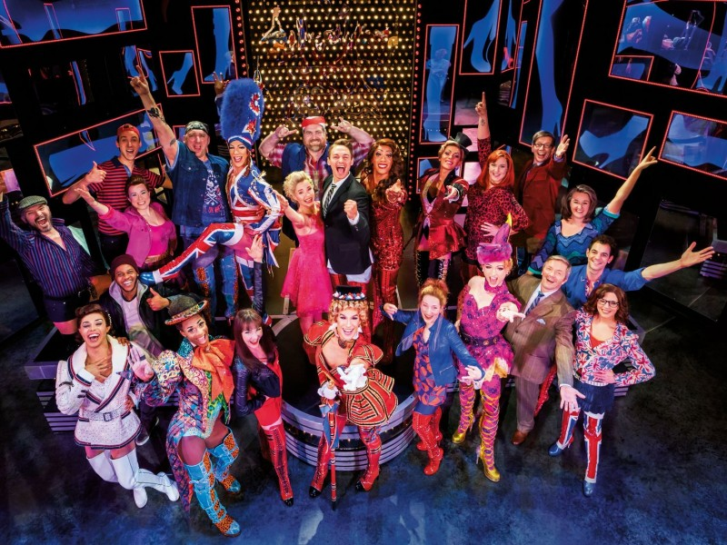 Ensemble  in 'Kinky Boots' (Hamburg)  © Stage Entertainment