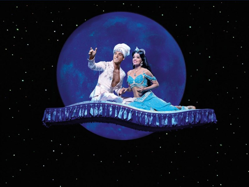 Philipp Büttner, Nienke Latten  in 'Aladdin' (Stuttgart)  © Stage Entertainment / Deen van Meer
