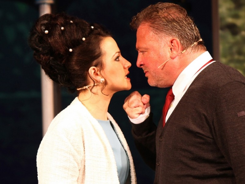 Theresa Grabner (Eliza Doolittle), Martin Berger (Prof. Henry Higgins)  in 'My fair Lady' (Bad Ischl)  © Foto Hofer, Bad Ischl