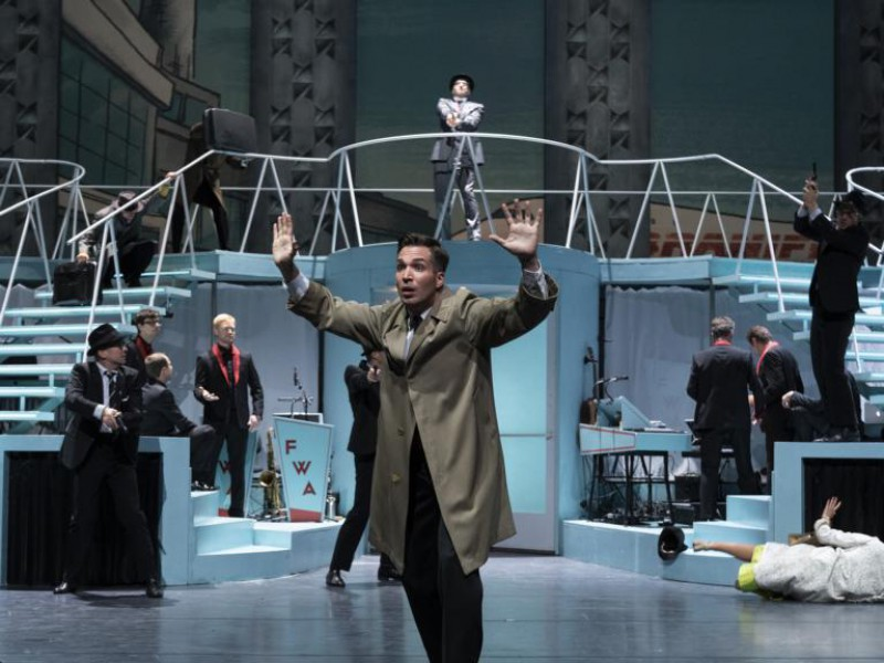 Riccardo Greco (Frank W. Abagnale Jr), Ensemble  in 'Catch Me If You Can' (Darmstadt)  © Nils Heck