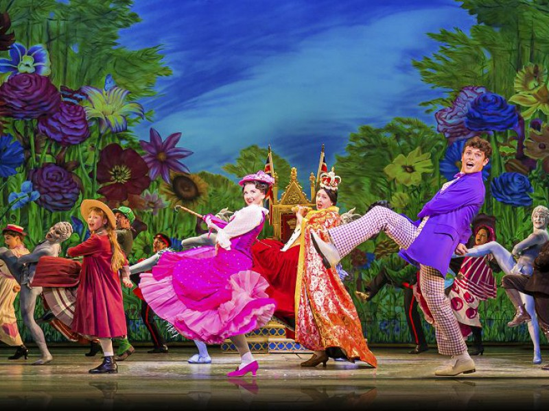 Zizi Strallen (Mary Poppins), Charlie Stemp (Bert)  in 'Mary Poppins' (London)  © Johan Persson