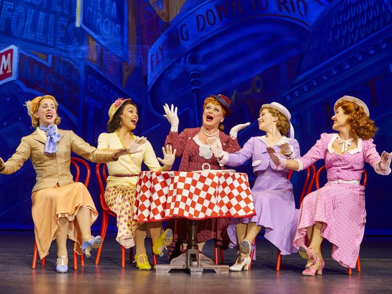 l-r: Clare Rickard, Ella Martine, Jasna Ivir (Maggie Jones), Clare Halse (Peggy Sawyer), Emma Caffrey (Annie)  in '42nd Street' (London)  © Brinkhoff & Moegenburg
