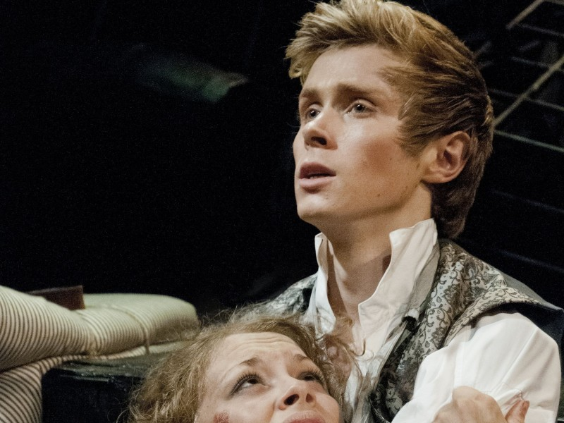 Carrie Hope Fletcher als Eponine, Rob Houchen als Marius  in 'Les Misérables' (London)  © Michael Le Poer Trench