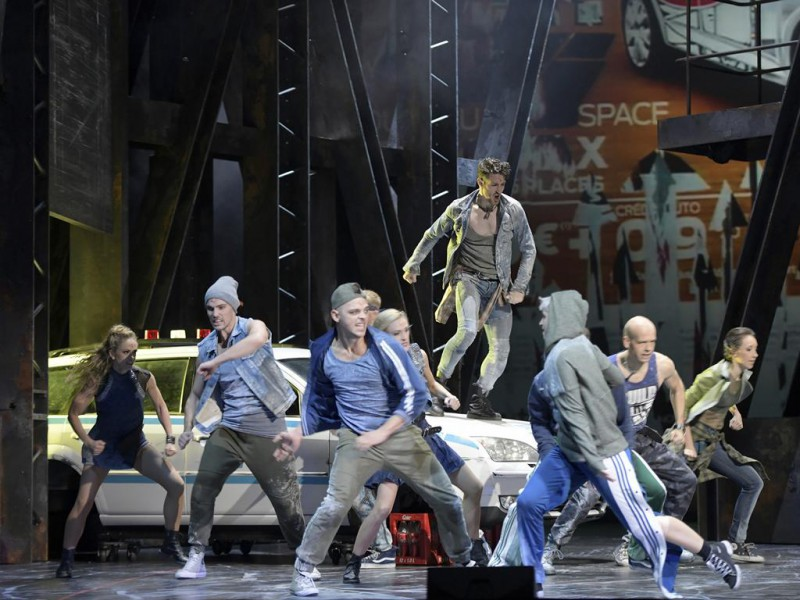 Ensemble  in 'West Side Story' (Nürnberg)  © Bettina Stöß, Staatstheater Nürnberg