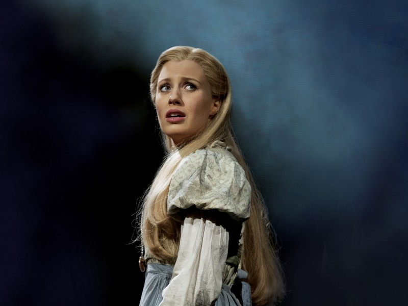 Celinde Schoenmaker als Fantine  in 'Les Misérables' (London)  © Michael Le Poer Trench