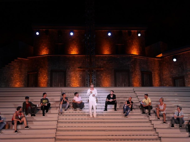 Ensemble  in 'Jesus Christ Superstar' (Staatz-Kautendorf)  © Rolf Bock