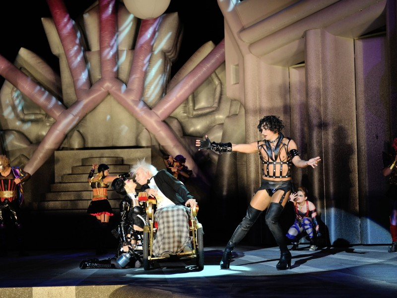 Lucy Scherer, Wolfgang Klose, Dominik Hees  in 'The Rocky Horror Show' (Magdeburg)  (c) Nilz Böhme / Theater Magdeburg