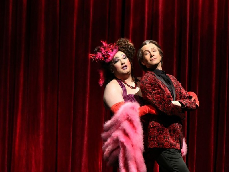 Philipp Werner (Albin), Mark Weigel (Georges)  in 'La Cage Aux Folles' (Pforzheim)  © Sabine Haymann