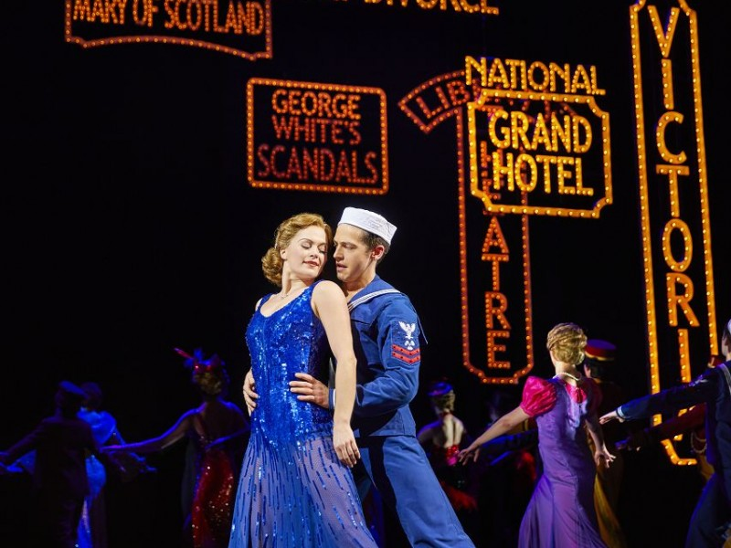 Clare Halse (Peggy Sawyer), Stuart Neal (Billy Lawlor), Company  in '42nd Street' (London)  © Brinkhoff & Moegenburg