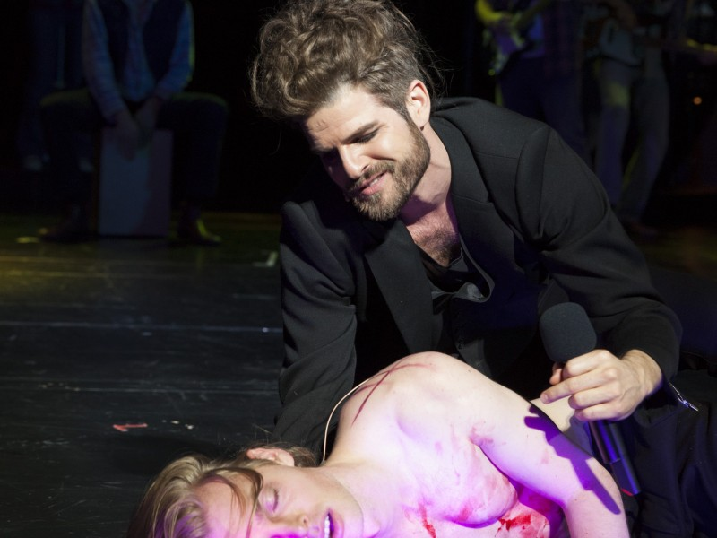 Oedo Kuipers (Jesus), Rupert Markthaler (Judas)    in 'Jesus Christ Superstar' (Oldenburg)  © Stephan Walzl