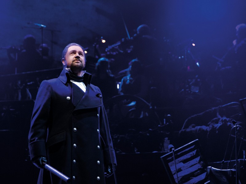 Michael Ball (Javert)  in 'Les Misérables'  © Matt Murphy