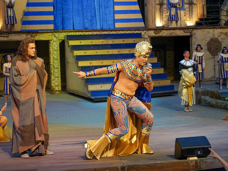 Julian Looman  in 'Joseph and the Amazing Technicolor Dreamcoat' (Tecklenburg)  © Freilichtspiele Tecklenburg