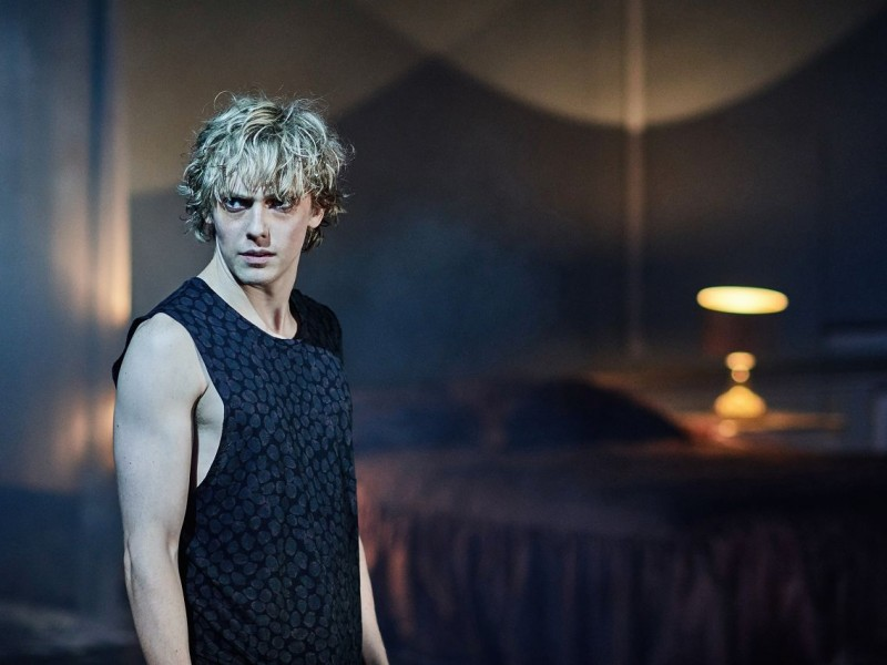 Andrew Polec (Strat)  in 'Bat Out Of Hell' (London)  © Specular