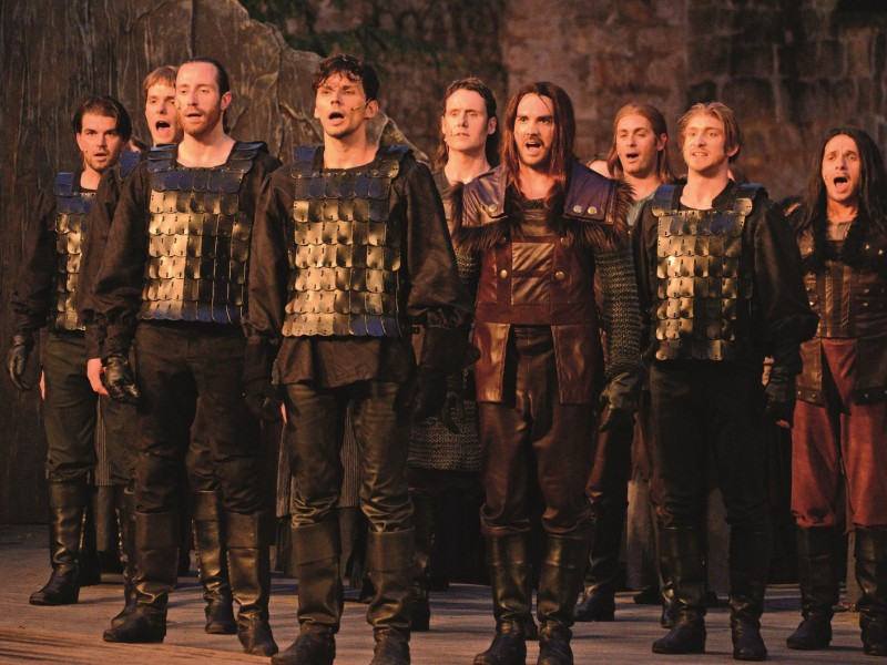 Ensemble  in 'Artus Excalibur' (Tecklenburg)  © Ulrich Niedenzu