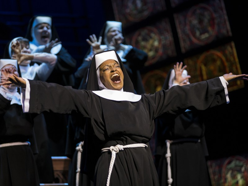 Zodwa Selele, Ensemble  in 'Sister Act' (Oberhausen)  © Stage Entertainment