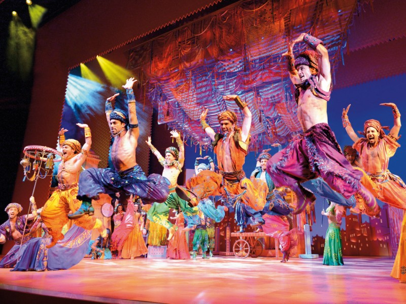 Ensemble  in 'Aladdin' (Hamburg)  © Stage Entertainment