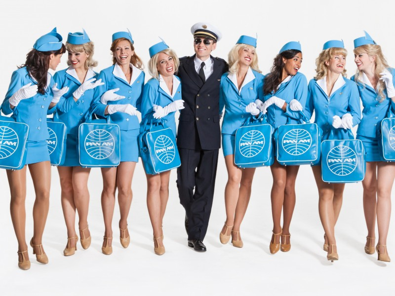 Rasmus Borkowski, Ensemble  in 'Catch Me If You Can' (Wien)  © Astrid Knie