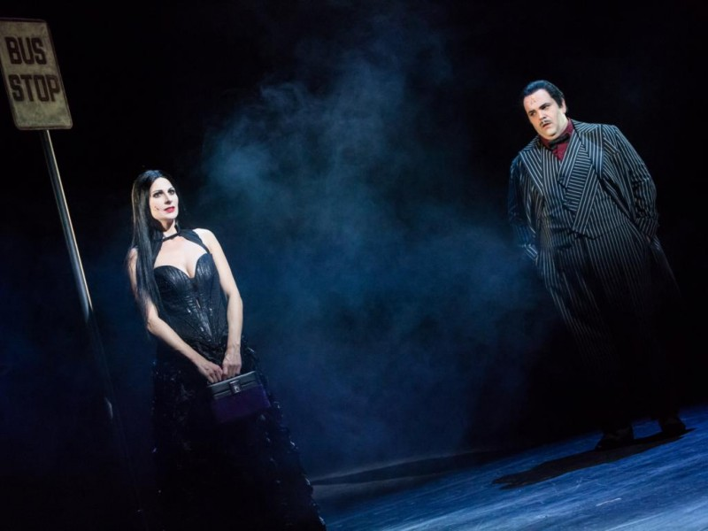 Marysol Ximénez-Carrillo (Morticia Addams), Alexander Prosek (Gomez Addams)  in 'Die Addams Family' (Hildesheim)  © T.Behind-Photographics