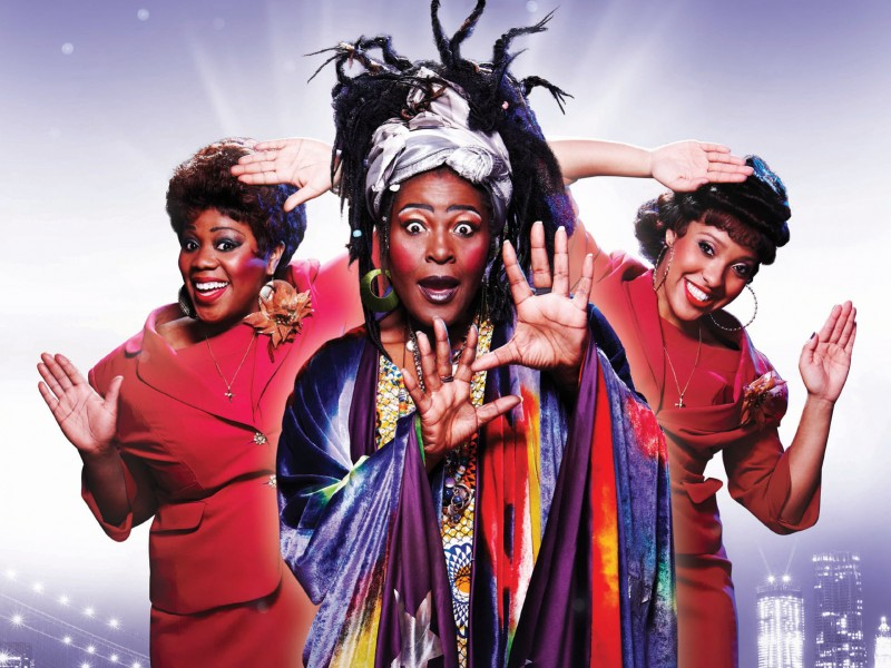Sharon D. Clarke (Oda Mae Brown) and female cast  in 'Ghost - The Musical' (London)  © Veranstalter