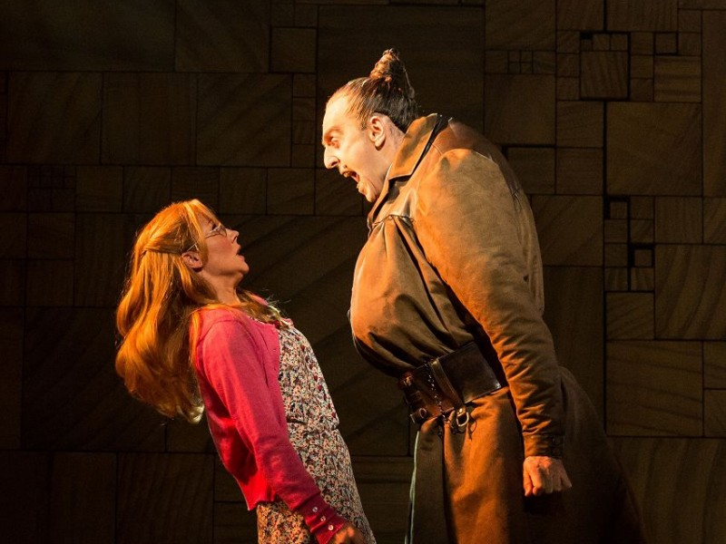 Miria Parvin (Miss Honey), Craige Els (Miss Trunchbull)  in 'Matilda - The Musical' (London)  © Manuel Harlan