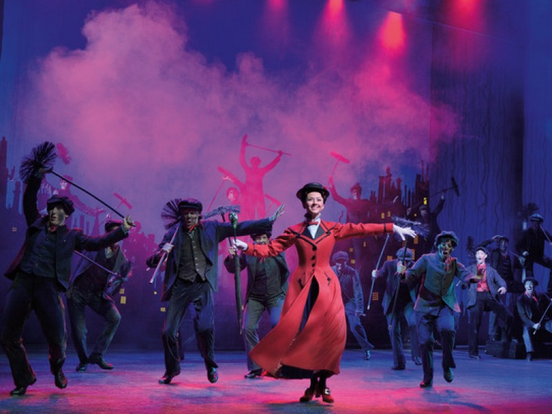 Elisabeth Hübert, Ensemble  in 'Mary Poppins' (Stuttgart)  © Stage Entertainment