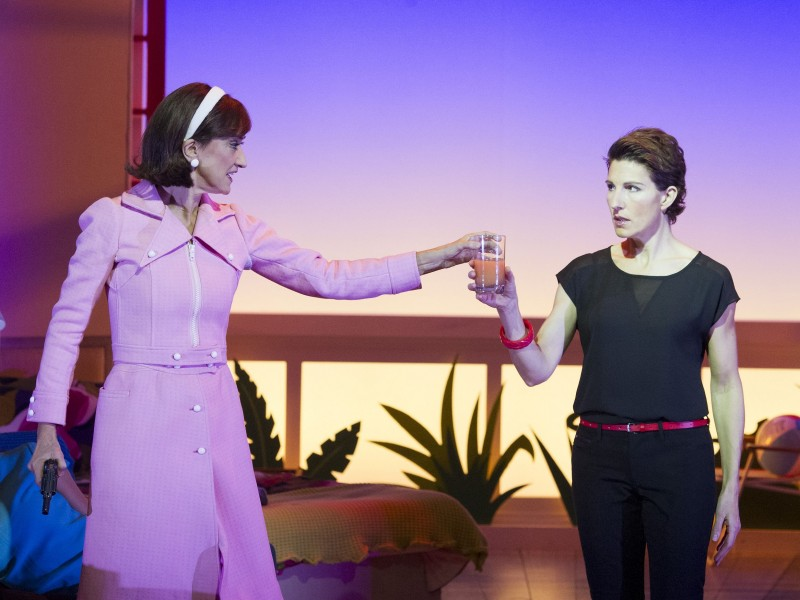 Haydn Gwynne (Lucia) und Tamsin Greig (Pepa Marcos)  in 'Women on the Verge of a Nervous Breakdown' (London)  © Alastair Muir