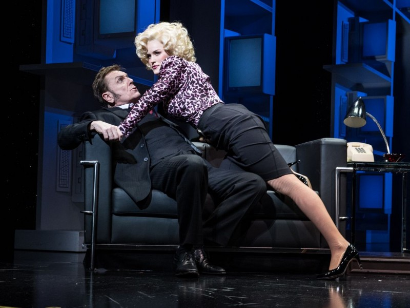 Brian Conley (Franklin Hart Jr.), Natalie McQueen (Doralee Rhodes)  in '9 to 5' (London)  © Craig Sugden