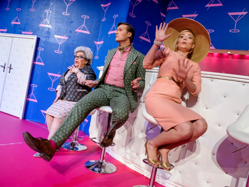 Margaret Lord (Renate Pick), Dexter Haven (Sven Jenkel), Tracy Lord (Lisa Voß)   in 'High Society' (Neubrandenburg)  © Jörg Metzner
