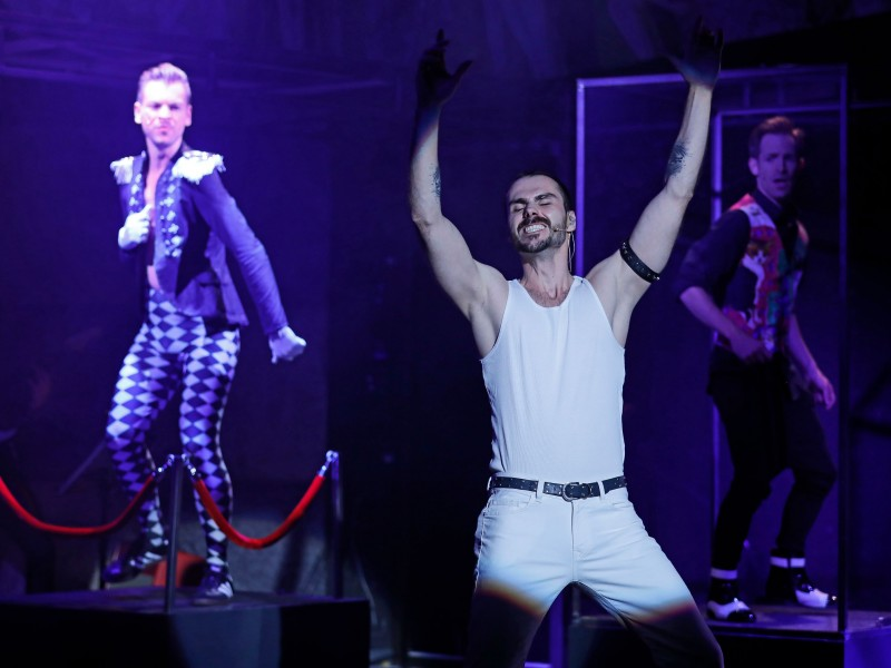 Ensemble  in 'Show must go on - A Tribute to Freddie Mercury' (Karlsruhe)  © Kammertheater Karlsruhe